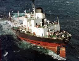Hundimiento petrolero Erika