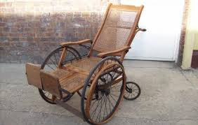 Silla ruedas antigua